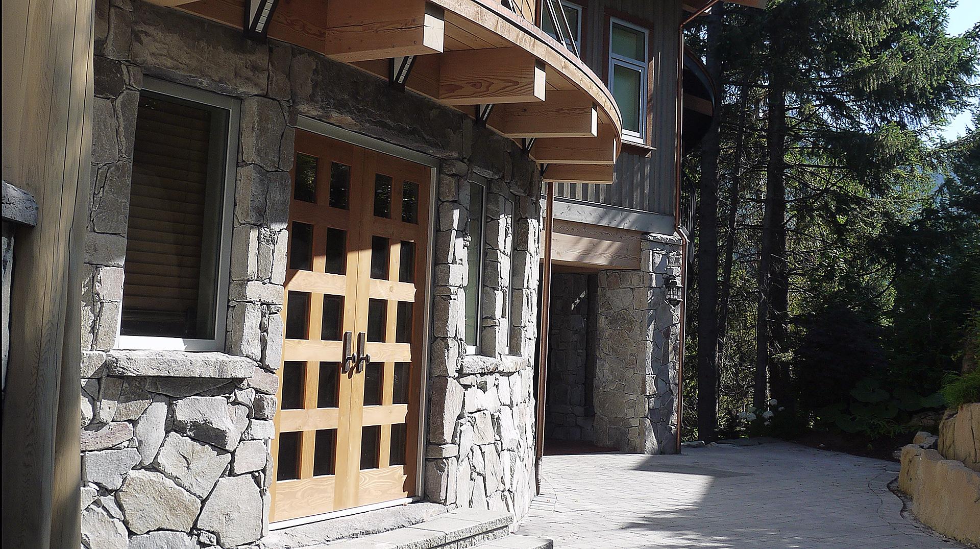 side entry details